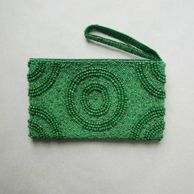 Green-beaded-clutch01