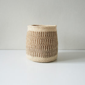 Planter-dark-sand-natural-medium01
