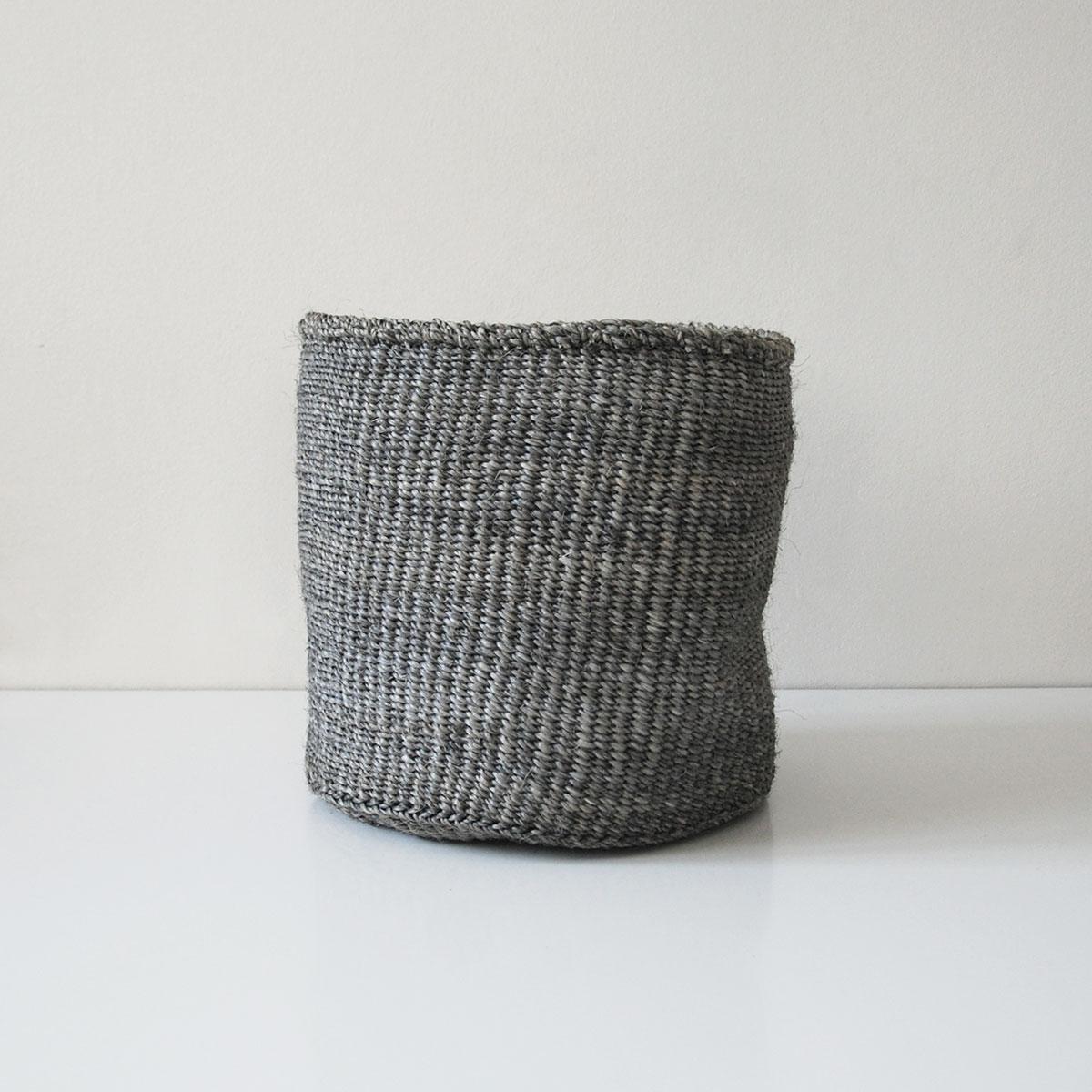 Planter-large-grey01